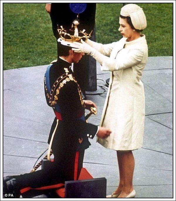 06-Queen Elizabeth II crowning her son.jpg