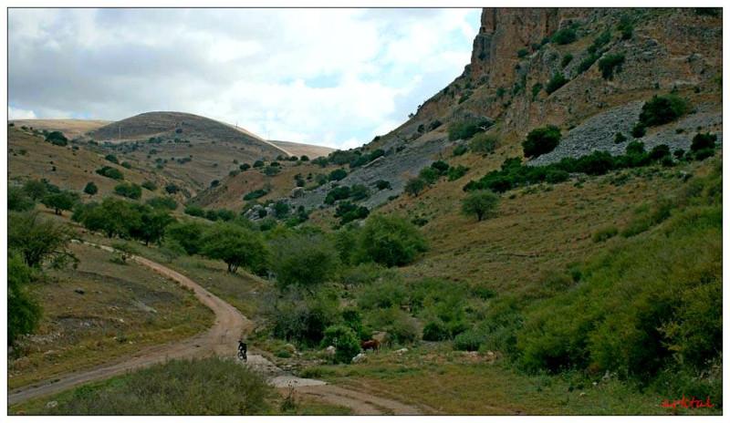 В долине Ахбáра.