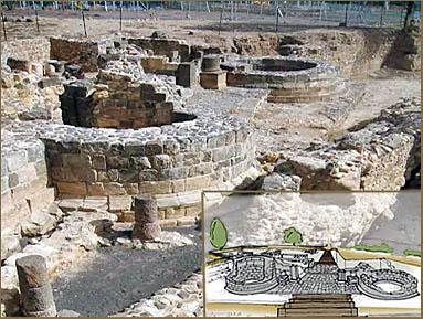Остатки сторожевых башен. На врезке – план будущего археологического парка (фото Управление древностей )