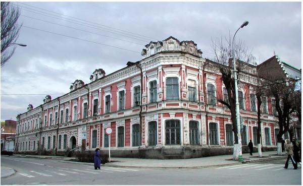 Комсомольская,120; угол Кирова,45