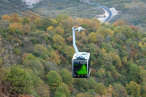 Татевская канатная дорога находится в Армении.