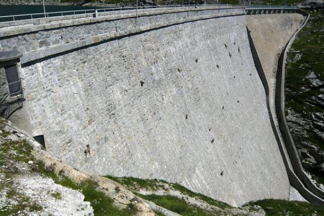 goats-dam-wide_28160_600x450.jpg