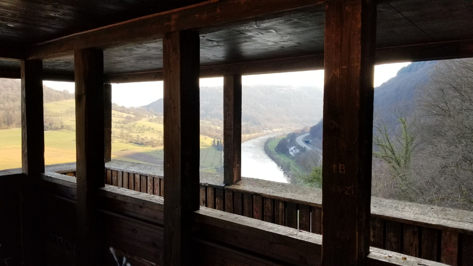 Вид из башни средней крепости.