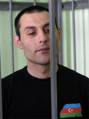 Торговец арбузами пришел на суд в майке с флагом Азербайджана