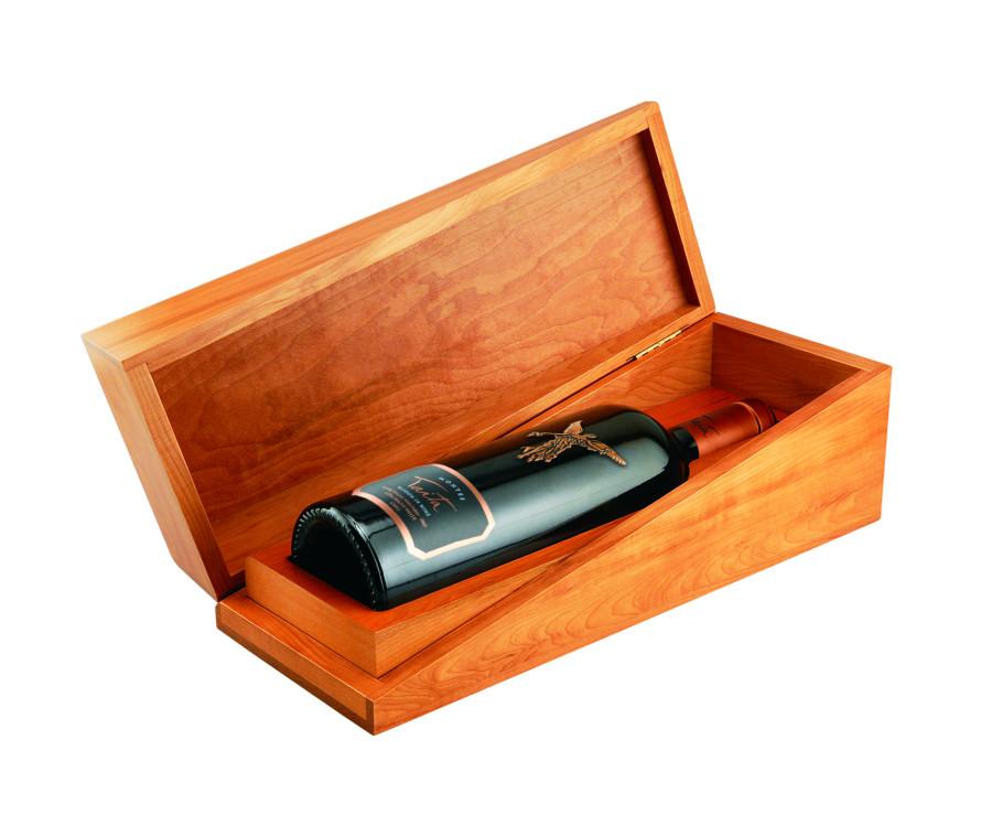 Montes Taita (wooden box) 1bot
