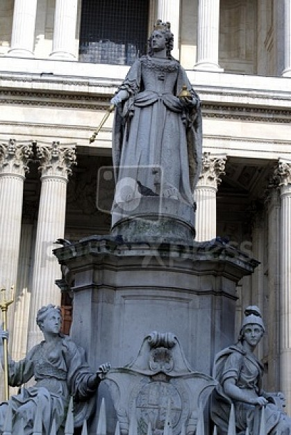 woman-statue-symbol_14221207