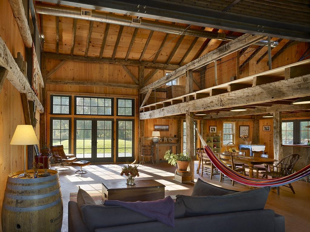 4_farmhouse-living-room