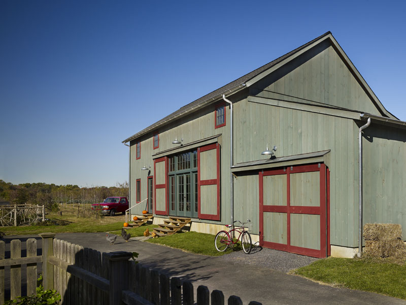 z_farmhouse-garage-and-shed