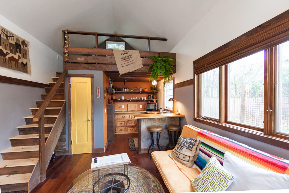 rustic-modern-tiny-house-4