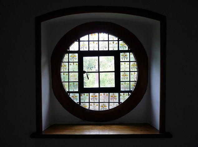 okno-s-vitrazhom