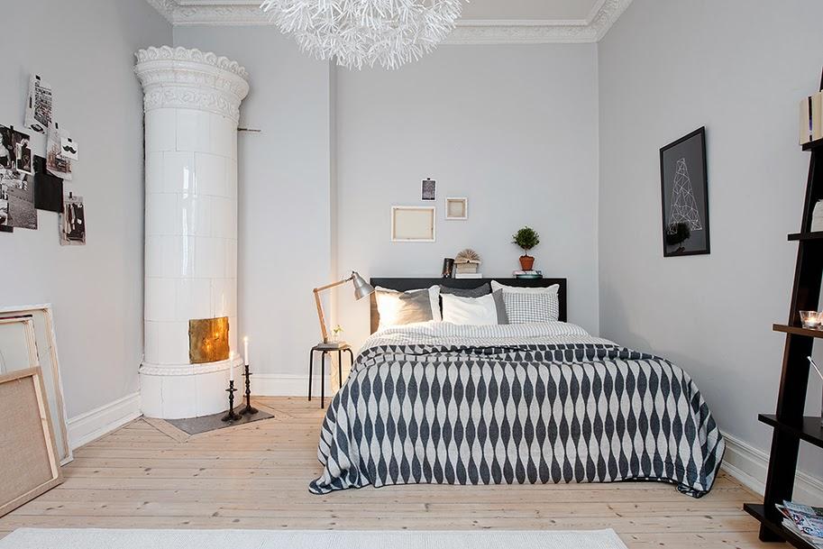 kamin_25_kamin_v-kvartire_black-and-white-bedroom-ideas-pendant-lamp-design