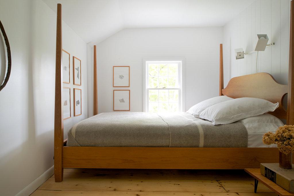 фото кровать которую можно поставить поперек стены компания дуги