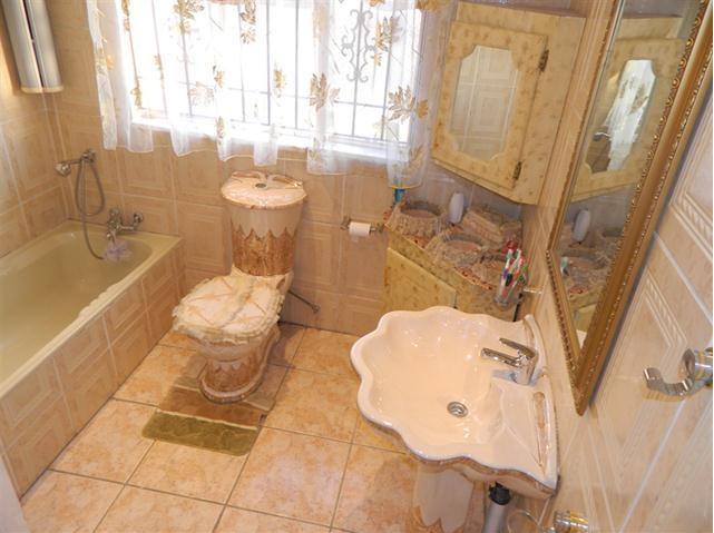 Worst Design Bathroom1