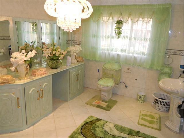Worst Design Bathroom2_