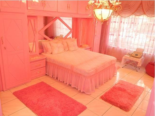 Worst Design Bedroom4