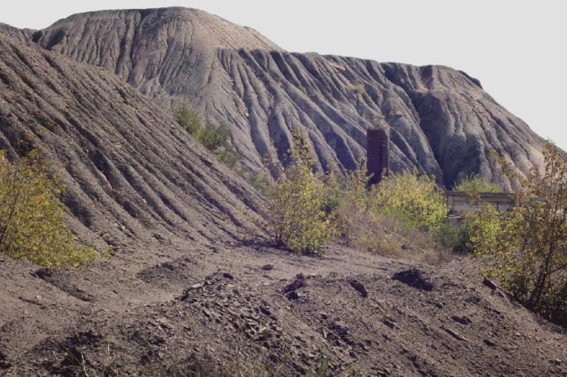 Террикон одной из некогда работавших шахт на территории Макеевки. (с) фото Владимир Кудасов