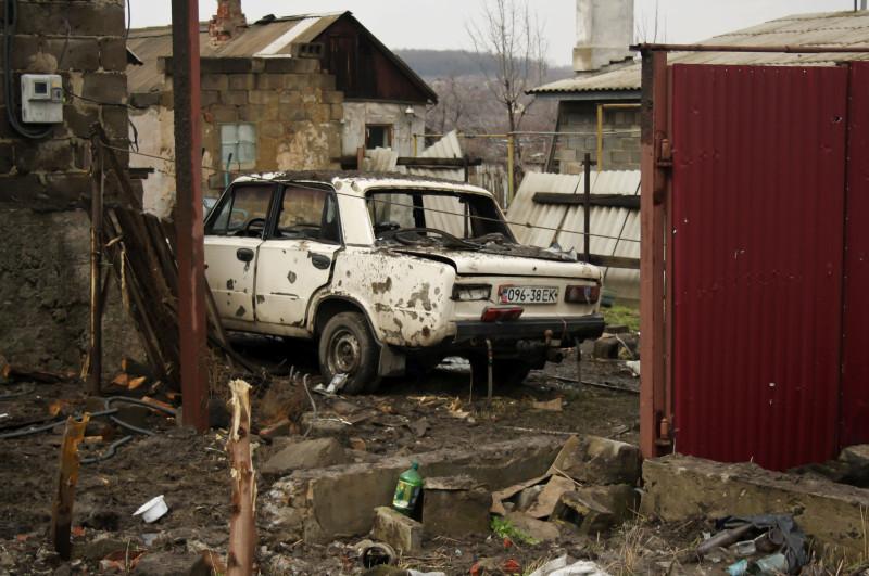 Последствия обстрела в Макеевке, 2015 год (с) фото автора