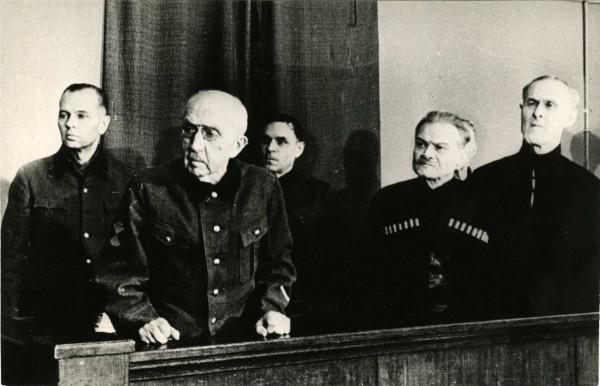 Гражданская война в России начиналась с... честных слов