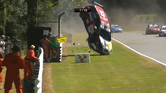 seat-leon-eurocop-brands-hatch-crash