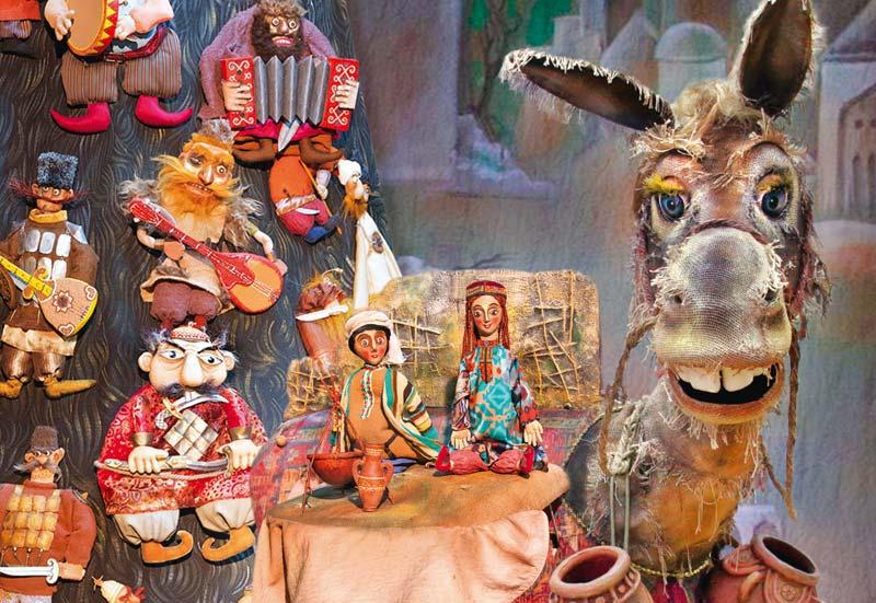 Бекечик и герои сказки, фото с сайта театра