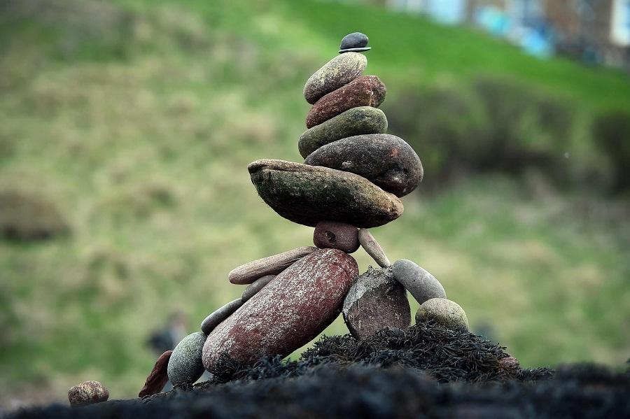 Равновесие камнями