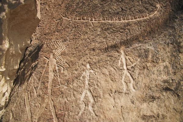 Petroglyphs_in_Gobustan_01