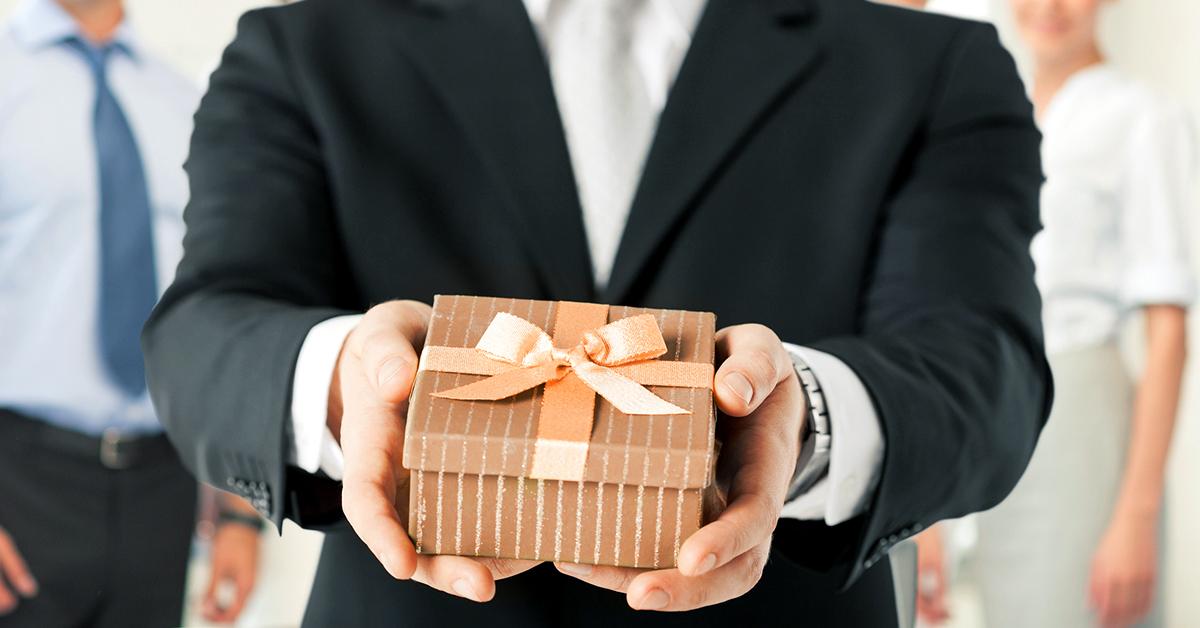 Международный этикет для подарков. Что подарить деловому партнёру из другой  страны?