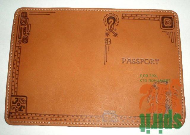 обложка для паспорта. подарки. праздники. хендмейд.  Обложка из натуральной кожи, с росписью в технике выжигания.