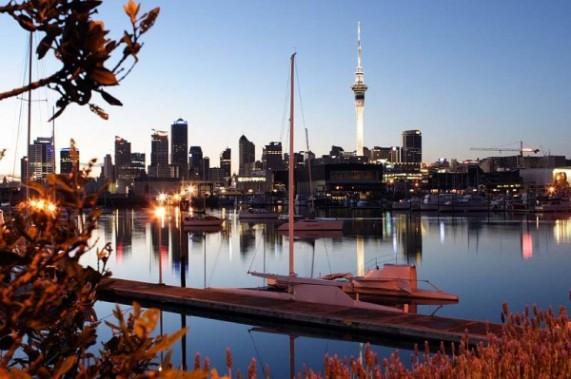 New-Zealand-Auckland_-_Skyline-600x399-571x379