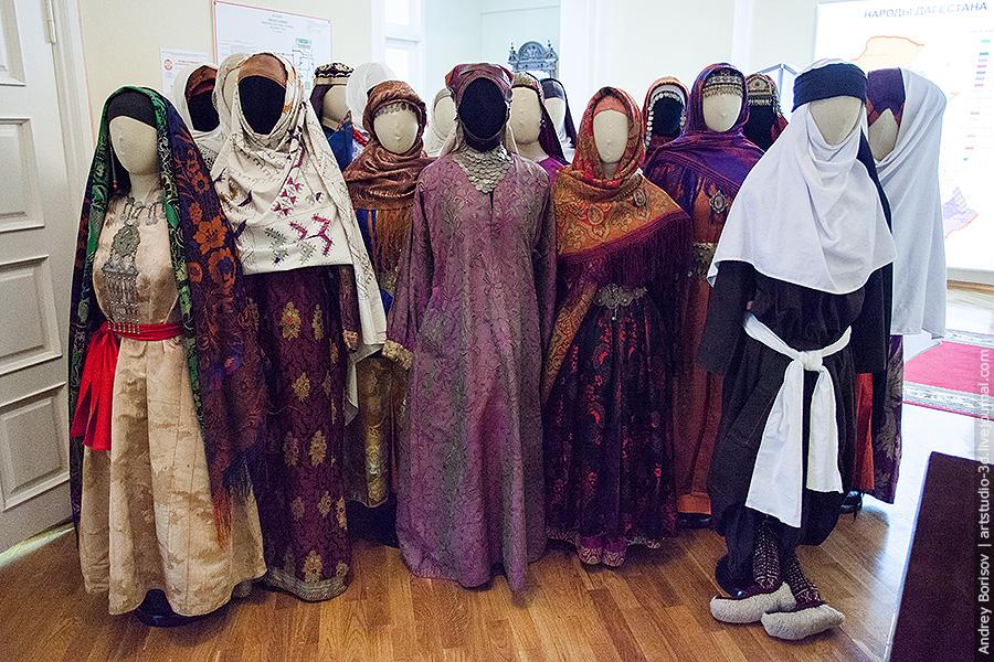 Музей Дагестанский Аул, очередь к фотографу