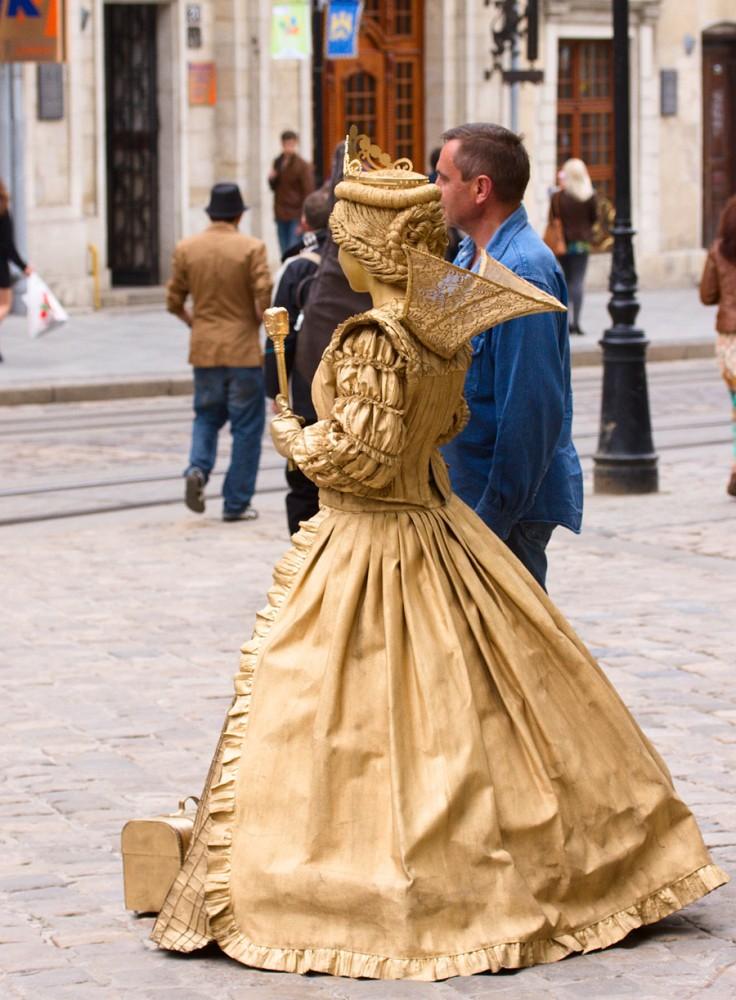 слайдов должен живые статуи фото средневековье есть