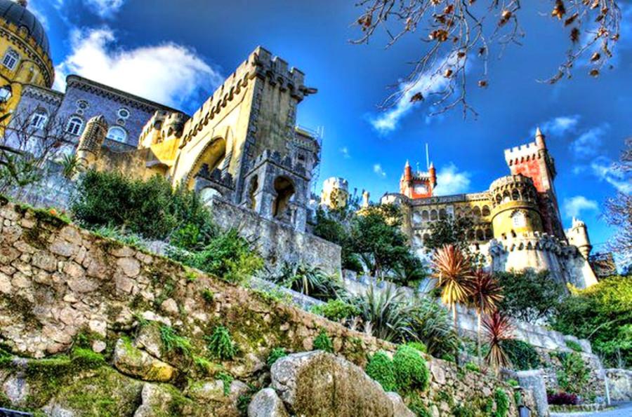 Дворец Пена в Синтре, Португалия.