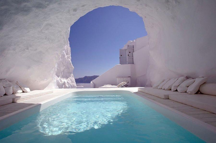 Бассейн в пещере, Санторини, Греция
