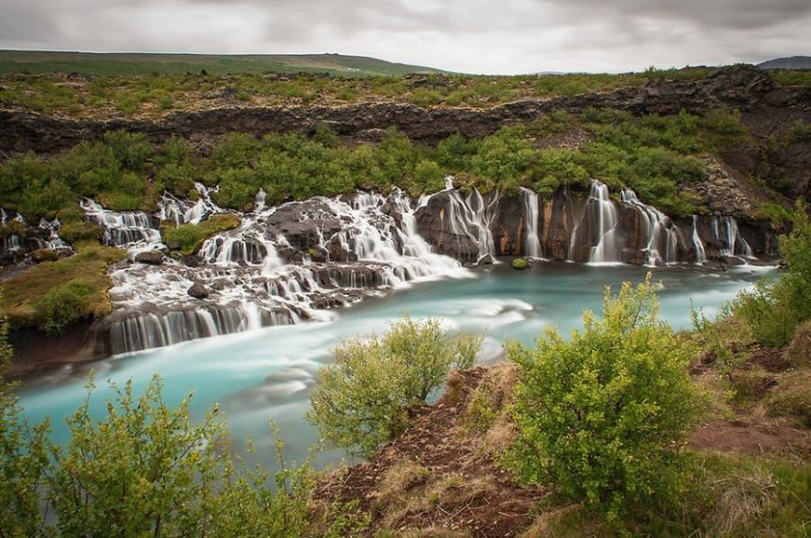 Водопады Храунфоссар, Исландия