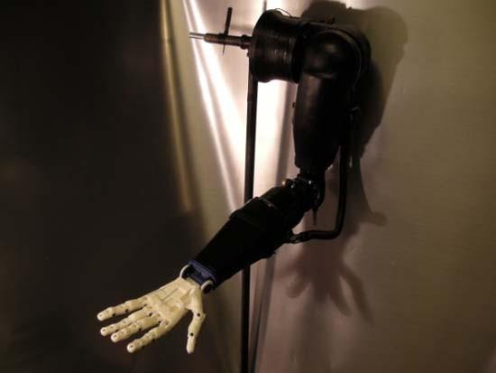 mehanicheskaya-ruka-protez-Arduino-Robotic-Arm