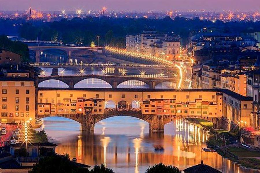 1545695_10202302410536070_1020343926_n.jpgНочной Понте Веккьо - знаменитый мост через реку Арно во Флоренции