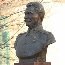 Сталин-памятник