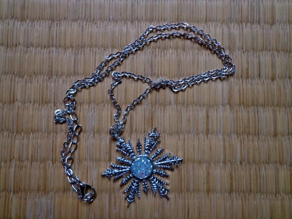 Frozen necklace