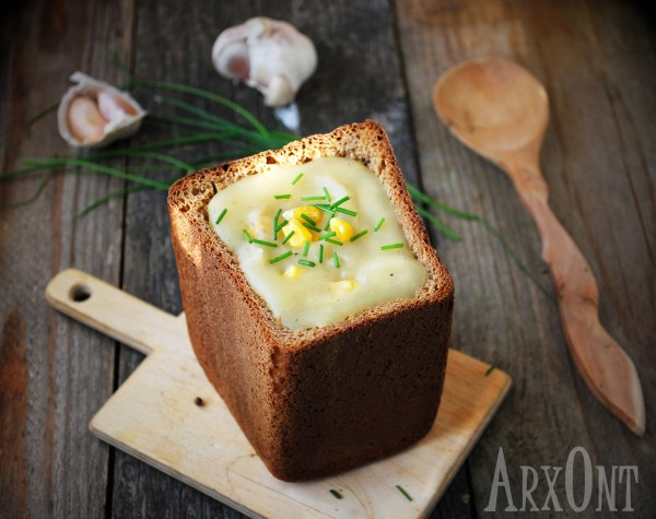 potato soup in rye bread no logo
