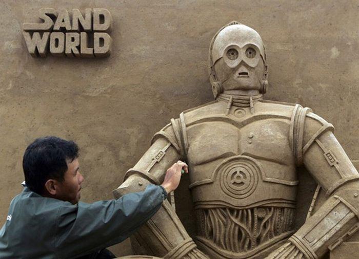 скульптуры из песка в стиле звёздных войн