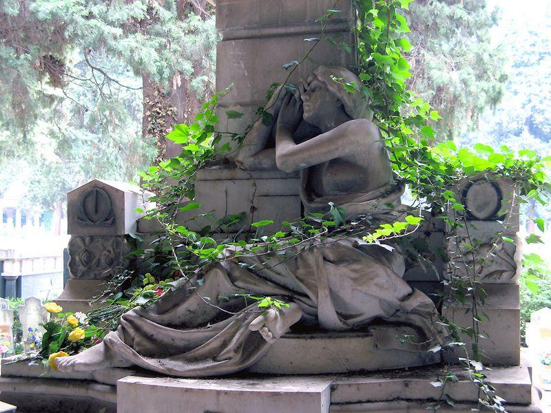Старинное кладбище Стальено в Генуе