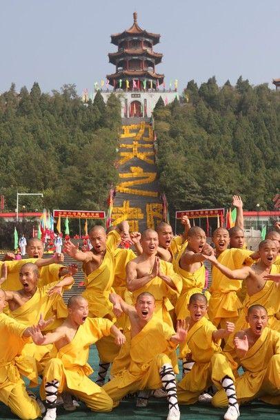 Шаолиньские монахи и футбол