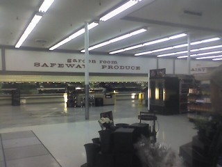 09 sad, bye little safeway