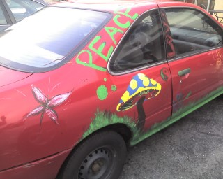 09 Peace car