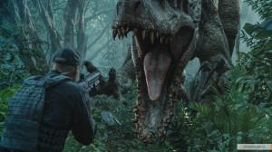 kinopoisk.ru-Jurassic-World-2595812