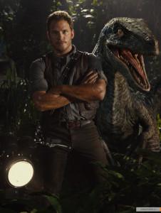 kinopoisk.ru-Jurassic-World-2525596