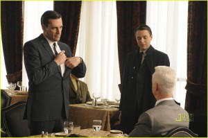 mad-men-season-4-promo-pics-11