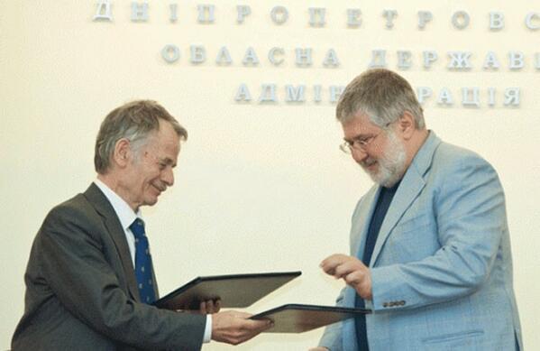 Коломойский и Джемилев подписывают документ о борьбе за оккупированный Крым