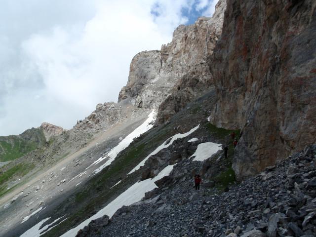 От грота до перевала Кыртхуа рукой подать.