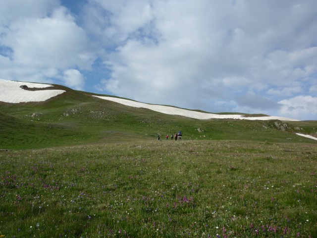 Подъем на Загеданский хребет из Пятиозерья.